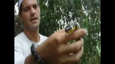 Cogiendo serpientes con Yuyee (hace 19 años)